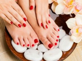make-manicure-pedicure-last-longer-with-vinegar-1